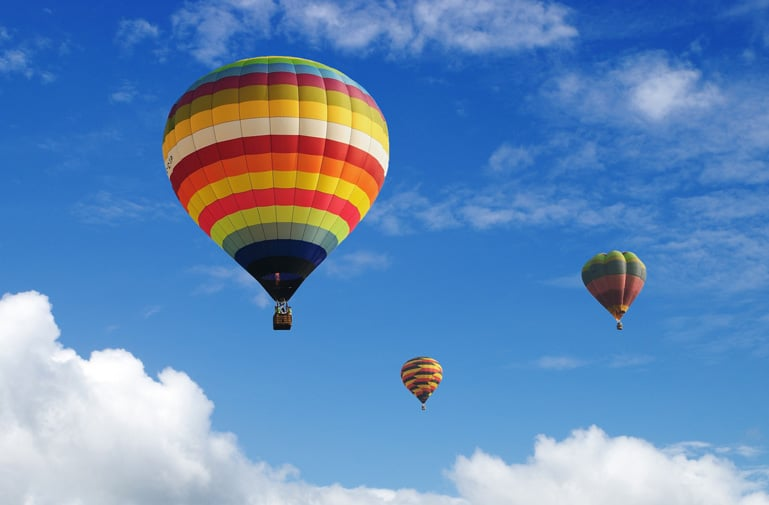 Hydrogen uses in hot air balloons